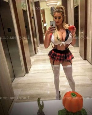 Ophelia escort girl massage tantrique à Angoulême