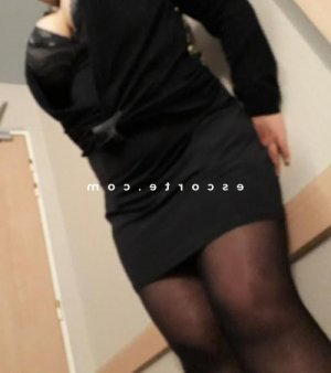Maryse massage tantrique escort girl à Angoulême