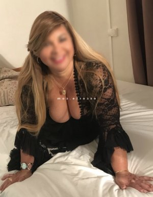 Boutaina massage lovesita escort
