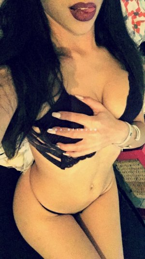 Loiza massage escort girl à Carentan